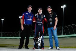 Campeón 2017 William Byron, JR Motorsports Chevrolet, dueño de equipo Dale Earnhardt Jr., jefe de equipo David Elenz