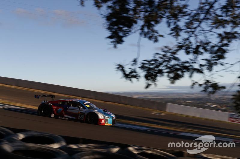 #22 Audi Sport Customer Racing Audi R8 LMS: Kelvin Van der Linde, Garth Tander