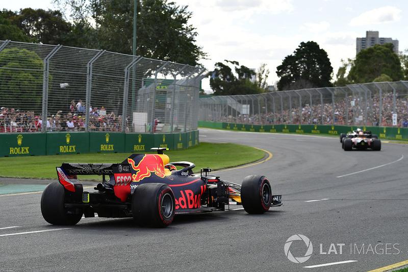 Max Verstappen, Red Bull Racing RB14 après son tête-à-queue