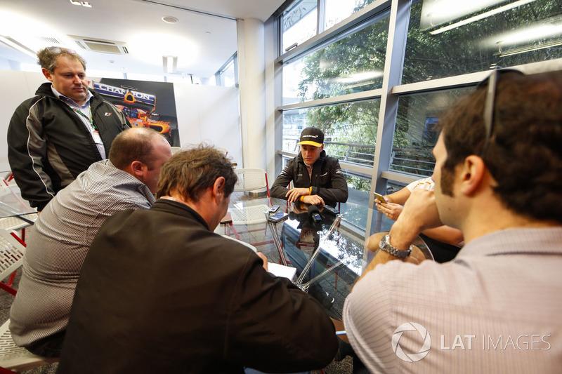 Stoffel Vandoorne, McLaren, McLaren, speaks to reporters