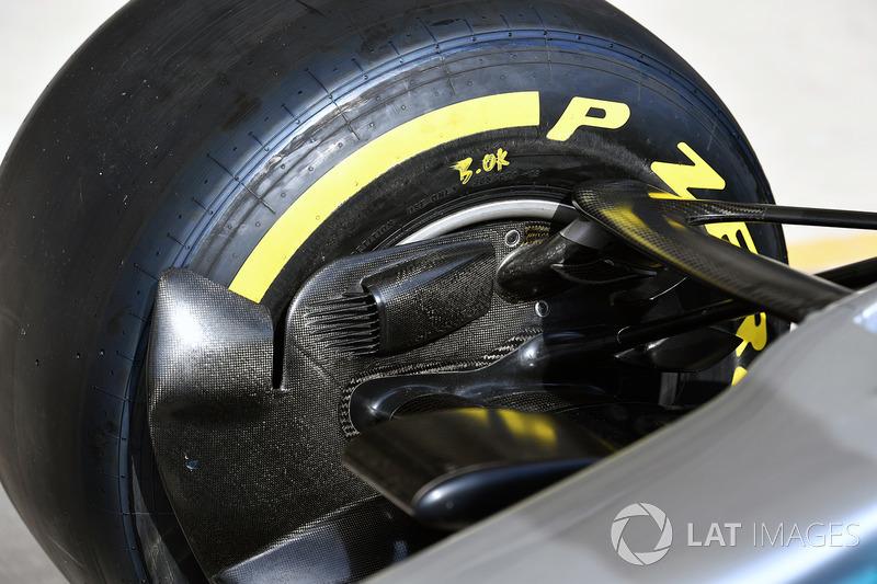 Воздухозаборник передних тормозов Mercedes F1 W08