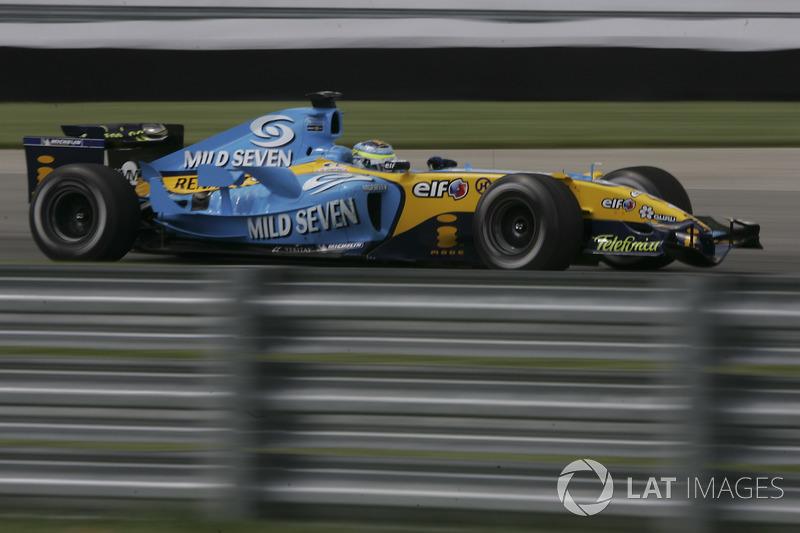 На втором ряду квалифицировались Дженсон Баттон и Джанкарло Физикелла (на фото), а лучшим из клиентов Bridgestone стал Михаэль Шумахер, показавший пятое время