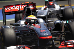 Lewis Hamilton, McLaren MP4-26, Michael Schumacher, Mercedes MGP W02
