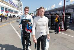 Гонщики Polestar Cyan Racing Тед Бьорк и Ники Катсбург