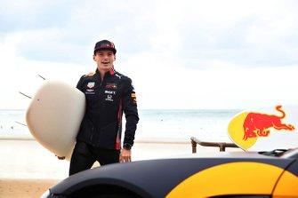 Max Verstappen, Red Bull Racing, si prepara per fare surf