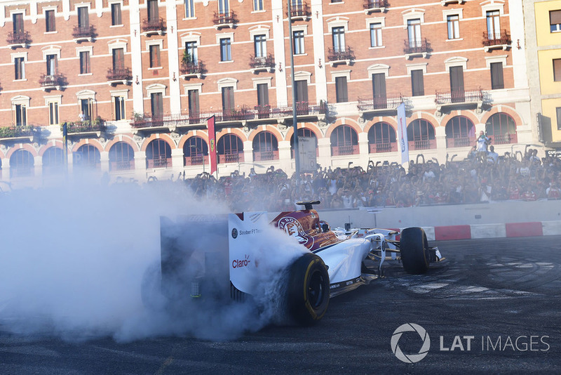 Charles Leclerc, Sauber burnout and tyre smoke