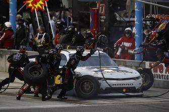 John Hunter Nemechek, Chip Ganassi Racing, Chevrolet Camaro Fire Alarm Services, Inc., pit stop