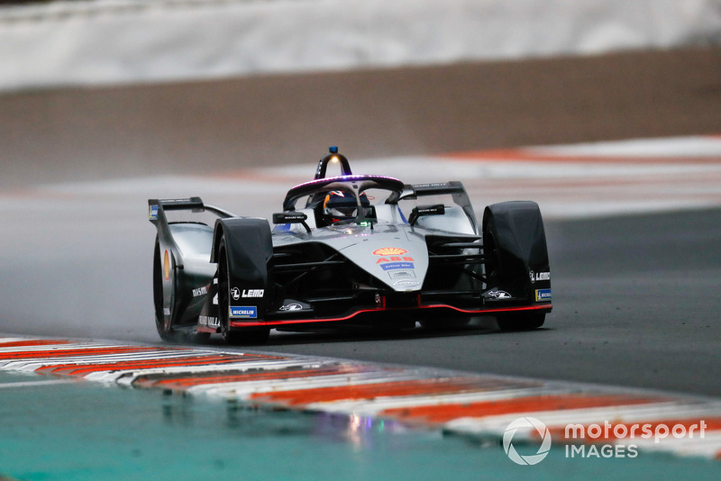 Sébastien Buemi, Nissan e.Dams, Nissan IMO1 with the new hyper boost LED lights on the halo