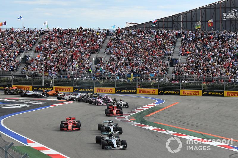 Valtteri Bottas, Mercedes AMG F1 W09 lider, Lewis Hamilton, Mercedes AMG F1 W09 ve Sebastian Vettel, Ferrari SF71H