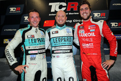Jean-Karl Vernay, Leopard Racing Team WRT, Volkswagen Golf GTi TCR, Rob Huff, Leopard Racing Team WRT, Volkswagen Golf GTi TCR, Pepe Oriola, Lukoil Craft-Bamboo Racing, SEAT León TCR