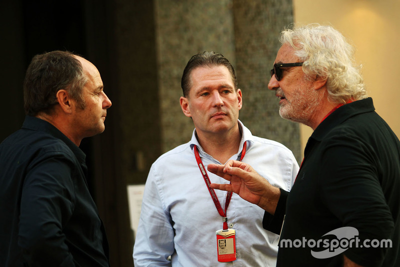 Gerhard Berger con Jos Verstappen y Flavio Briatore