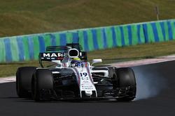 Felipe Massa, Williams FW40 looks up