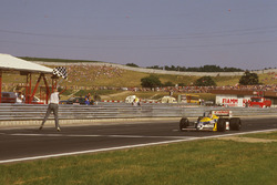 Nelson Piquet, Williams FW11B Honda se lleva la bandera a cuadros