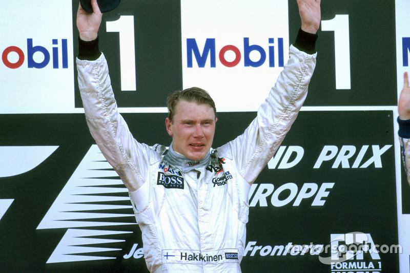 A primeira vitória de Mika Häkkinen só veio na última etapa da temporada 1997