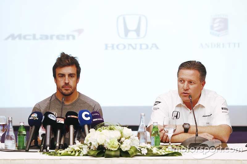 Fernando Alonso, McLaren; Zak Brown, McLaren-Chef