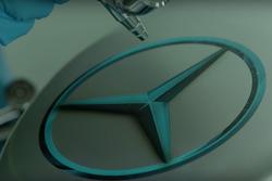 Der Mercedes F1 W08 Hybrid wird lackiert