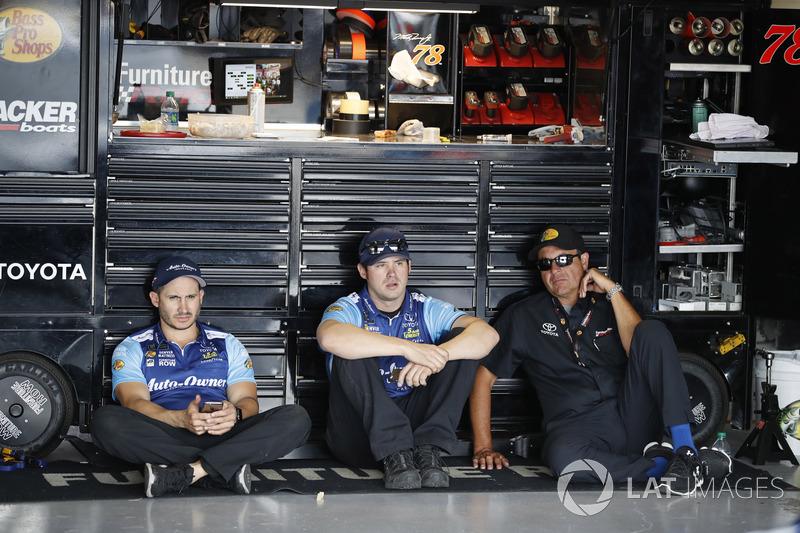 Crewmitglieder von Furniture Row Racing
