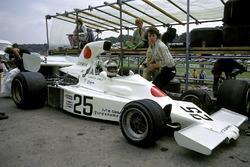 Howden Ganley, Maki F101