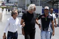 Ален Прост, Renault Sport F1, Флавіо Бріаторе, Карлос Сайнс-мол., Scuderia Toro Rosso
