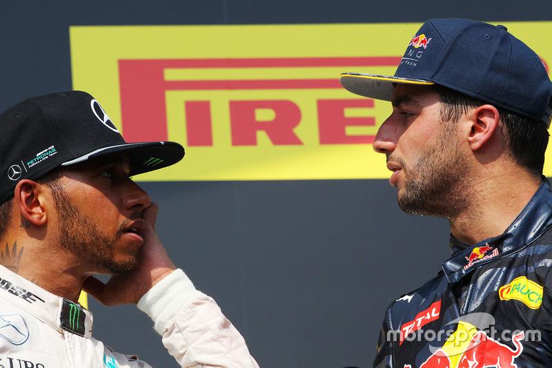 Podium: winner Lewis Hamilton, Mercedes AMG F1 with third place Daniel Ricciardo, Red Bull Racing
