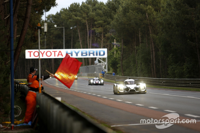 Rote Flagge in Le Mans