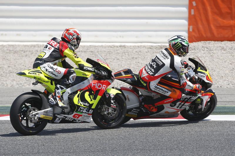Sturz: Simone Corsi, Speed Up Racing; Lorenzo Baldassarri, Forward Racing