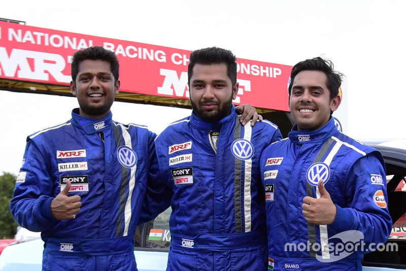 Race winner Karminder Singh, second place Ishaan Dodhiwala, third place Aditya Pawar