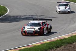 Audi R8 LMS,Porsche 911 GT3
