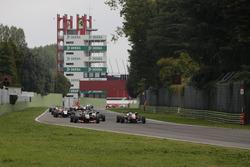 Anthoine Hubert, Van Amersfoort Racing, Dallara F312, Mercedes-Benz; Nick Cassidy, Prema Powerteam, Dallara F312, Mercedes-Benz