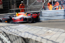 Max Verstappen, Red Bull Racing RB14 hits the barrier and crashes