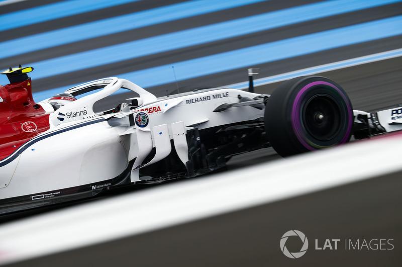 Leclerc ve Sauber Q3'e kalmayı kutluyor