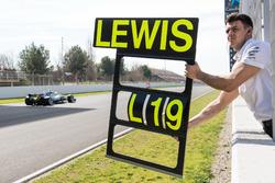 Пит-борд для Льюиса Хэмилтона, Mercedes AMG F1 W09