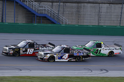 Noah Gragson, Kyle Busch Motorsports, Toyota Tundra Safelite AutoGlass, Todd Gilliland, Kyle Busch Motorsports, Toyota Tundra Mobil 1 and Ben Rhodes, ThorSport Racing, Ford F-150 Alpha Energy Solutions