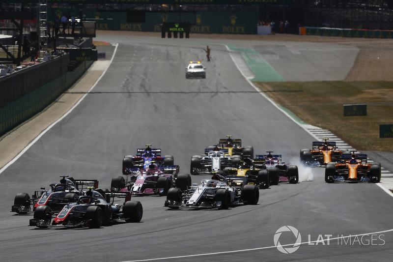 Kevin Magnussen, Haas F1 Team VF-18, Romain Grosjean, Haas F1 Team VF-18 ve Charles Leclerc, Sauber C37, Sergio Perez, Force India VJM11 Nico Hulkenberg, Renault Sport F1 Team R.S. 18