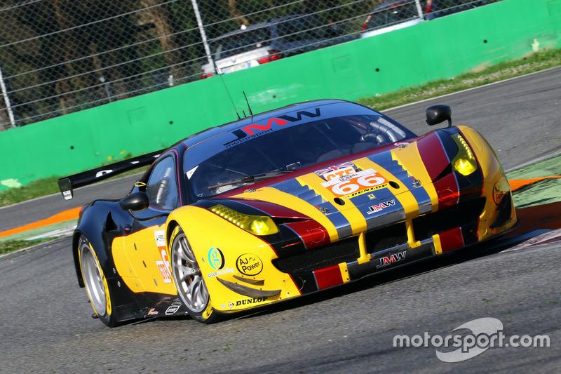 #66 JMW Motorsport, Ferrari F458 Italia: Robert Smith