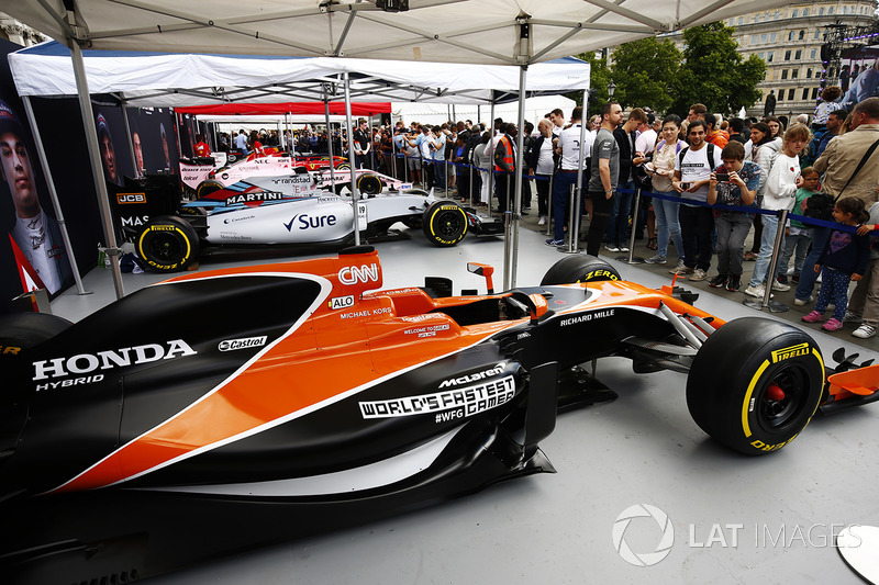 The McLaren MCL32 on the teams stand