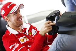 Sebastian Vettel, Ferrari, oyun oynuyor