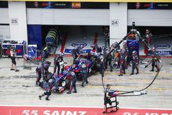 Carlos Sainz Jr., Scuderia Scuderia Toro Rosso STR12, valt uit