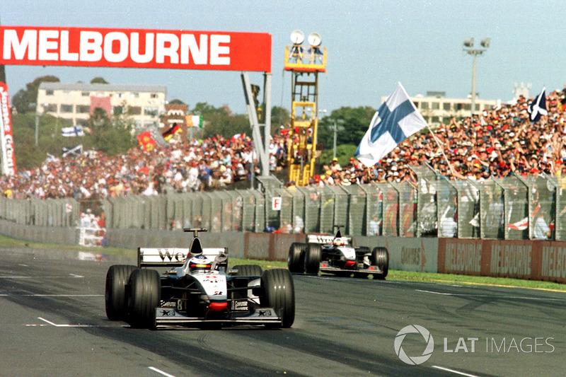En 34 ocasiones en la historia de la F1, el ganador de la primera carrera de la temporada ganó en el título de ese mismo año.