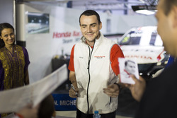 Autograph Session: Norbert Michelisz, Honda Racing Team JAS, Honda Civic WTCC
