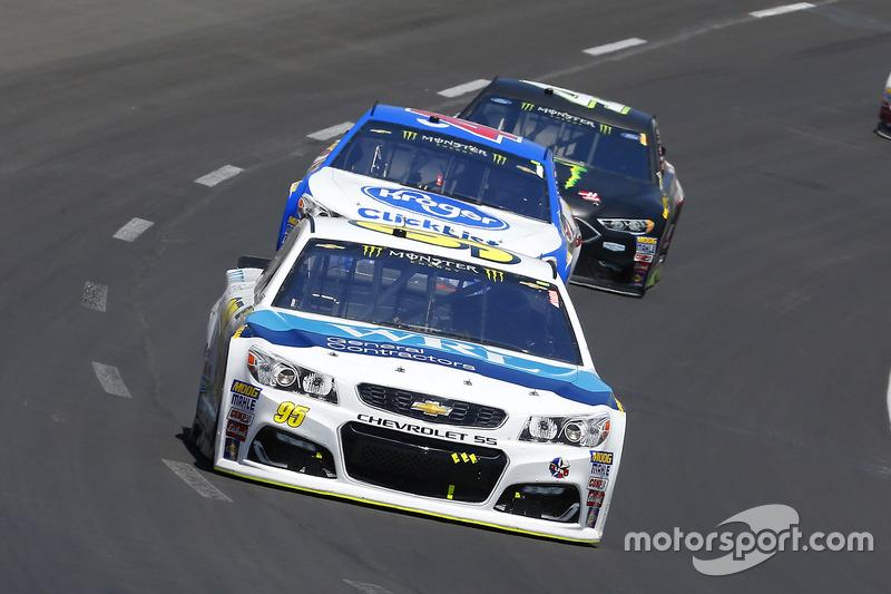 Michael McDowell, Leavine Family Racing, Chevrolet; A.J. Allmendinger, JTG Daugherty Racing, Chevrol
