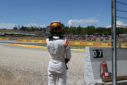 Сход: Стоффель Вандорн, McLaren