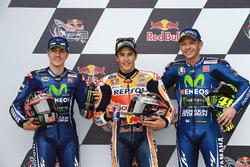 Ganador de la pole Marc Márquez, Repsol Honda Team, segundo Maverick Viñales, Yamaha Factory Racing y tercero Valentino Rossi, Yamaha Factory Racing