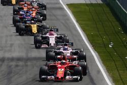 Kimi Raikkonen, Ferrari SF70H, Sergio Perez, Sahara Force India F1 VJM10, Esteban Ocon, Sahara Force India F1 VJM10, Nico Hulkenberg, Renault Sport F1 Team RS17