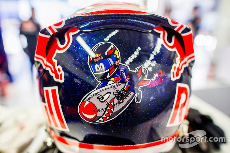 Daniil Kvyat, Toro Rosso kask detay
