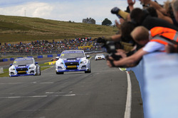 Yarış galibi Jason Plato, Team BMR Subaru Levorg