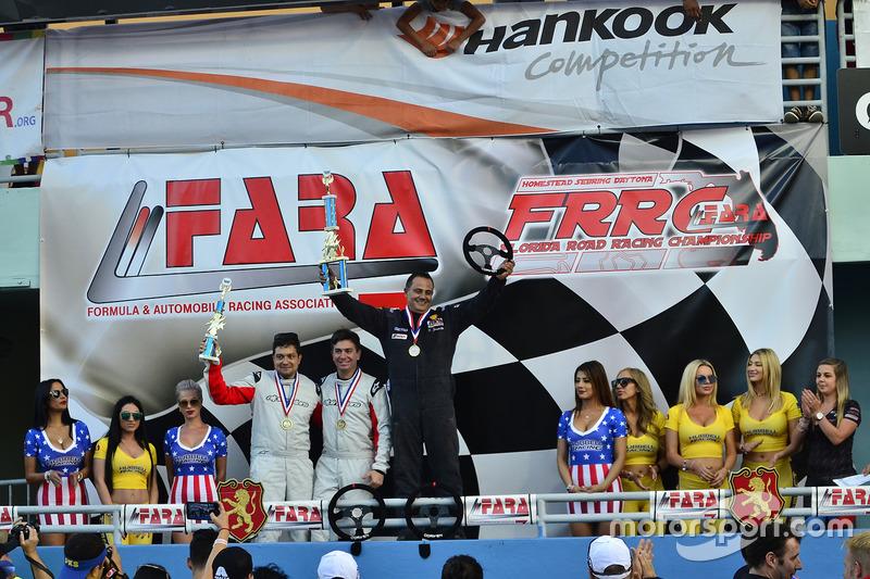#33 MP4A Honda Civic driven by Felipe Jaramillo of Honda 33 Racing, #30 MP4A Honda Civic driven by C