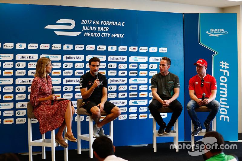 Nicki Shields, Jérôme d'Ambrosio, Dragon Racing, Adam Carroll, Jaguar Racing, y Felix Rosenqvist, Mahindra Racing, en conferencia de prensa