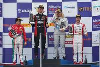 Podio Rookie Gara 2: il secondo classificato Enzo Fittipaldi, Prema Power Team, il vincitore Leonardo Lorandi, Baithech, il terzo classificato Mariano Lavigna, Cram Motorsport