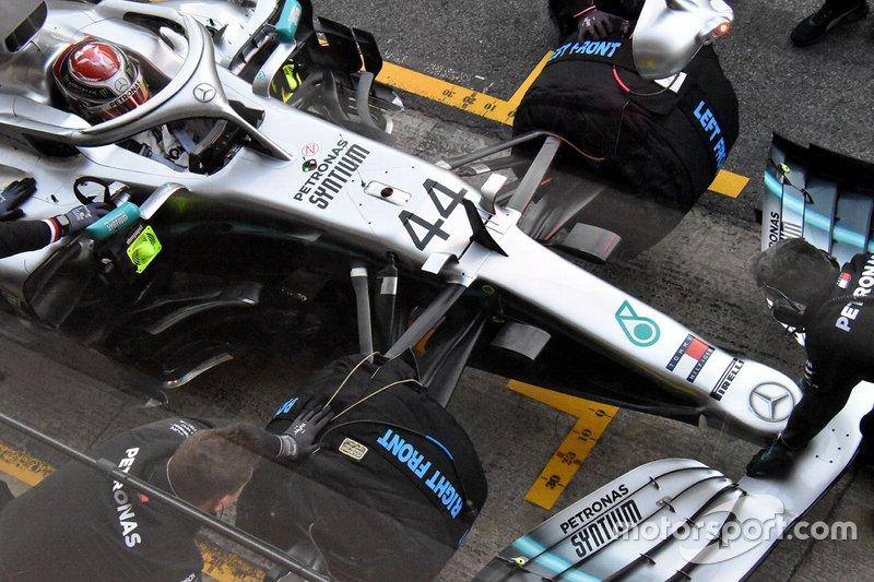 Mercedes AMG F1 W10 burun